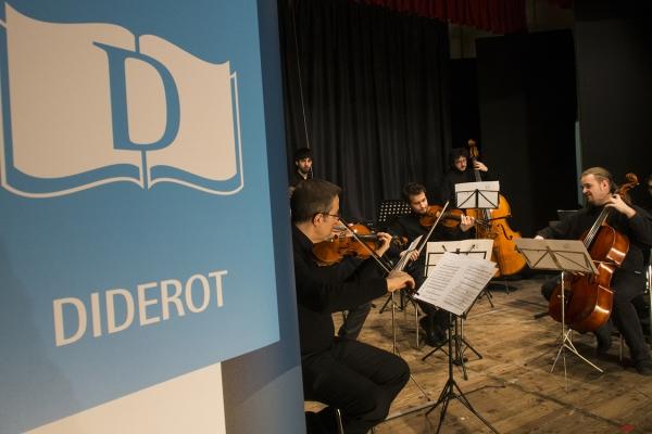 Animalien inauteriak, musikako konferentzia, eskola hitzaldia, musikako tresnekin harmonia.