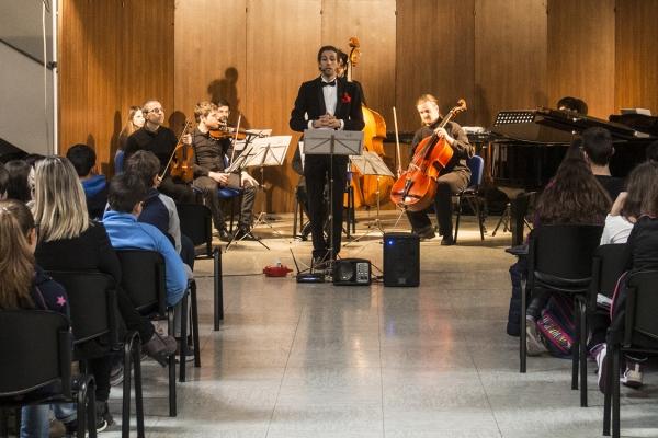 Fondacioni CRT, projekti Diderot, projekti arsimor. Aktivitet muzikor. Punëtori magjike për të zbuluar harmoni, projektuar dhe krijuar për shkollën.
