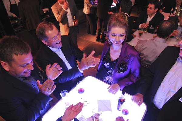 Interactive magic for company events, meetings, aperitifs, inaugurations, dinners, family days