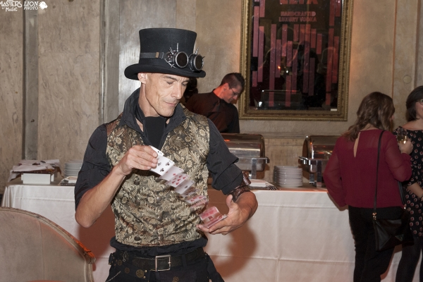 Magic close up show, costumi steam punk. Un magico Natale alla cena aziendale di Coca cola!