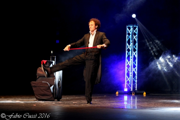 Dreamagic magic illusionism show for budinì families and children