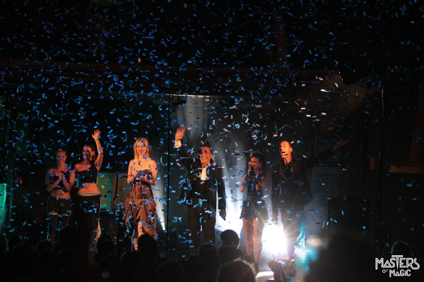 Applause and magical rain of confetti a wonderful ending for a corporate convention!