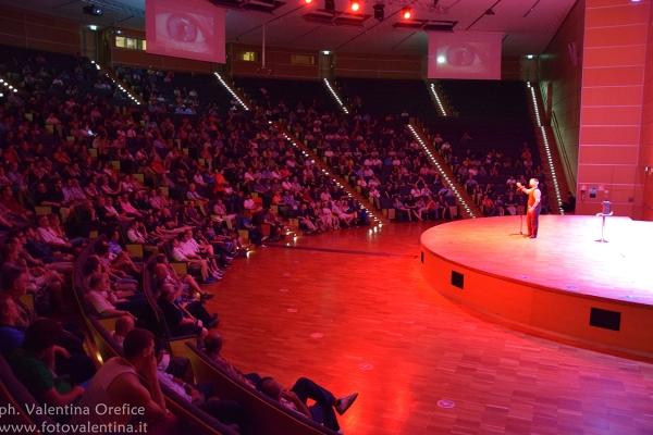 lecture-luke-jermay-fism-italy-2015C9819B32-301A-AA6B-FA55-FCED0C6AAB7B.jpg