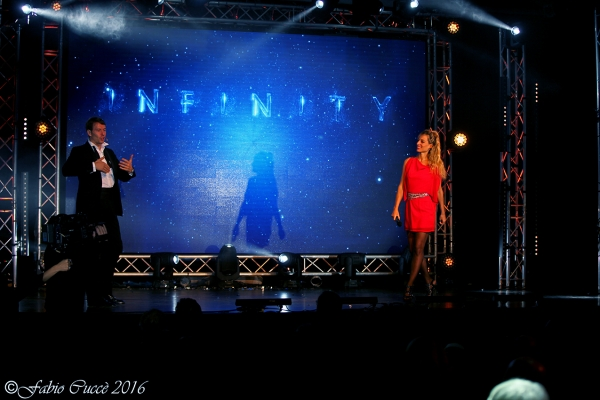 Walter Rolfo together with Jessica Polsky present the Infinity show for a Turin company