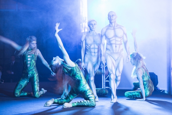 Show ကိုပြပွဲ, ကော်ပိုရိတ်ဖြစ်ရပ်များအတွက်ခန္ဓာကိုယ်ပန်းချီ
