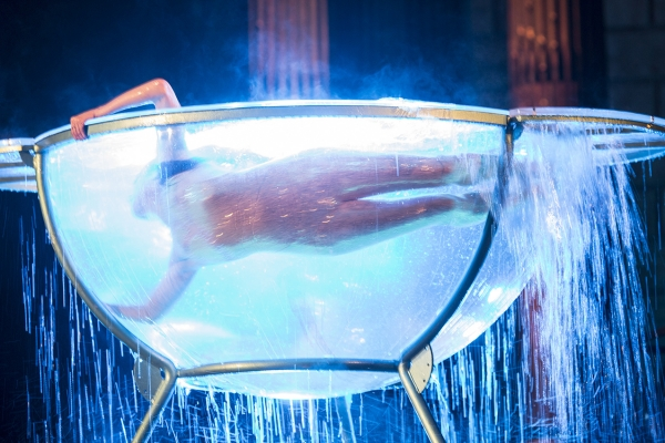 Artistic performance for a company convention that enhances the value of water