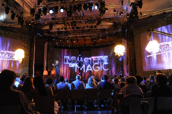 Masters of Magic television program with Walter Rolfo and Gerry Scotti. Unprecedented success on the 5 channel. Talent show that involved over 3.000.000 of viewers between young and old.