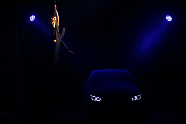 Reveal BMW 2 Series Active Tour, presentation of new products. In a charming salon specially set up at the QC Terme Milano, a car and a dancer are revealed as if by magic.