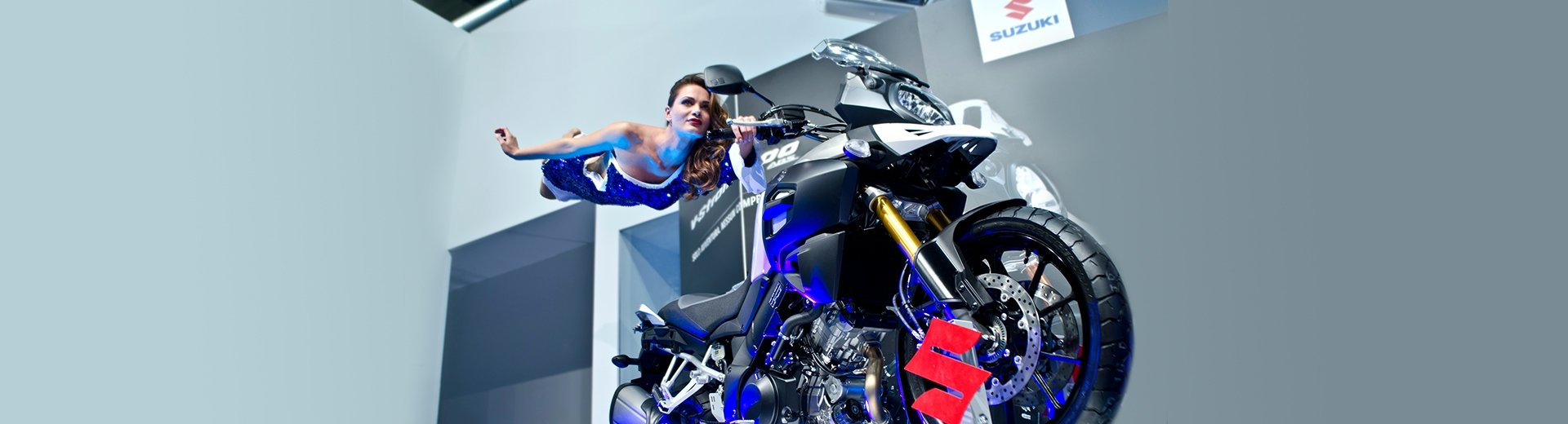 Suzuki Eicma - Magic Stunt